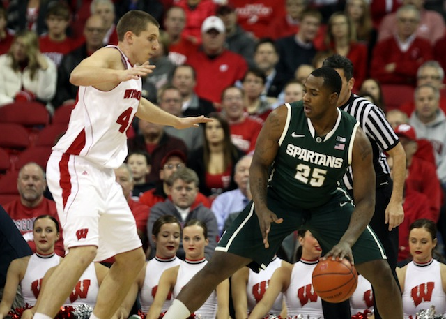 Both Michigan State and Wisconsin are looking to keep their Big Ten title hopes alive. (USATSI)