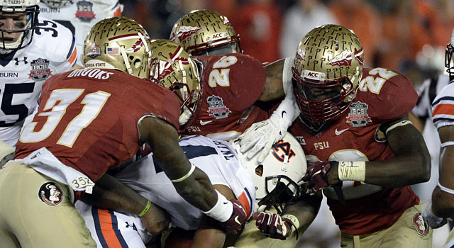 Florida State's defense does its best to slow Auburn's rushing attack. (USATSI)