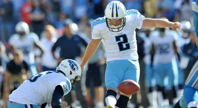 Rob Bironas will remain a Titan. (USATSI)