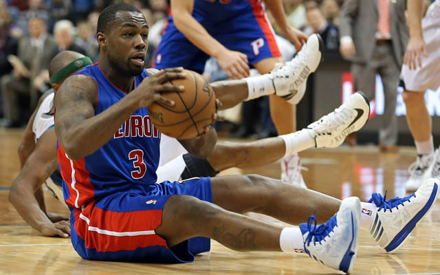 Rodney Stuckey will miss several weeks with a broken thumb. (USATSI)