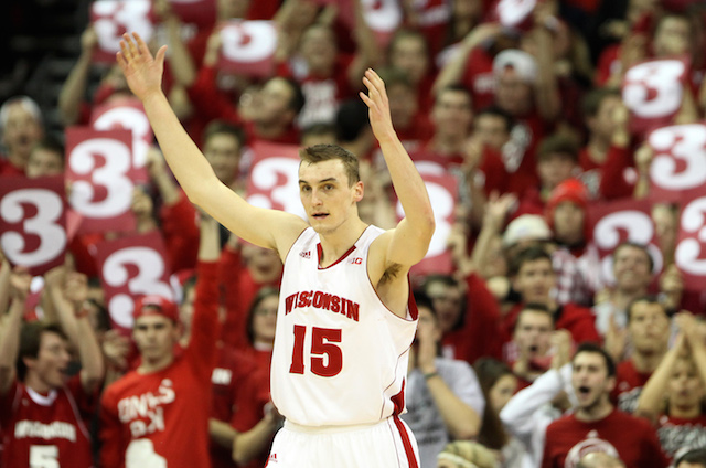Sam Dekker has to find openings and make shots against the Baylor zone. (USATSI)