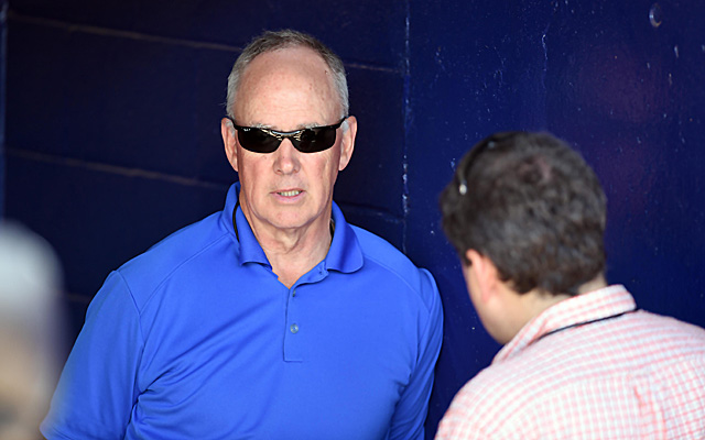 Sandy Alderson ignores Twitter and blogs.