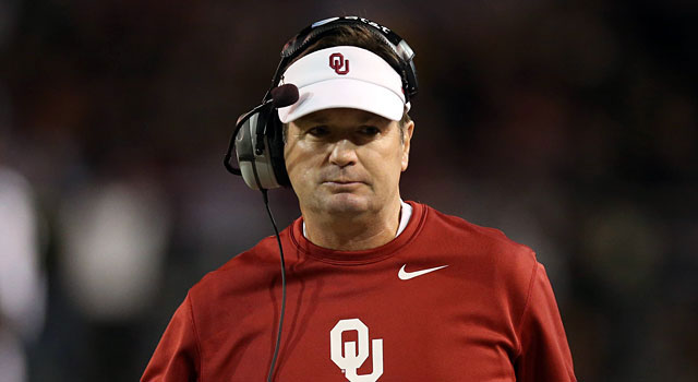 Bob Stoops has a career record of 160-39, including 8-7 in bowl games. (USATSI)