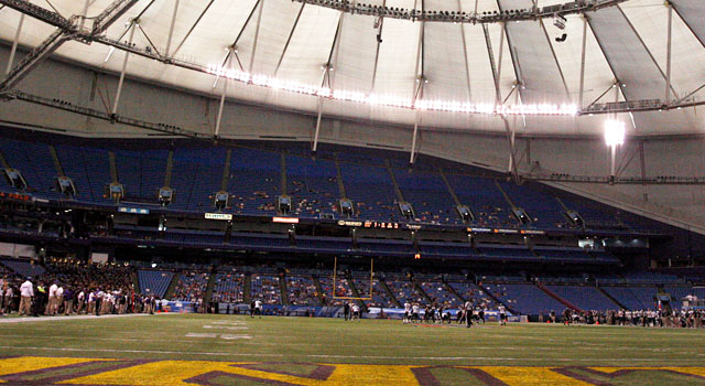 Tropicana Field is home to the Bitcoin St. Petersburg Bowl. (USATSI)