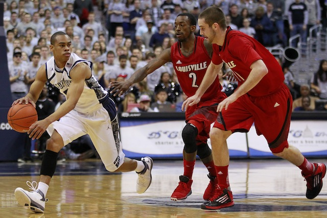 Louisville and Georgetown will battle in New York City for a potential No. 1 seed. (USATSI)