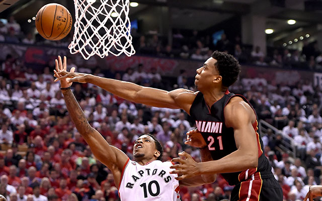 hassan whiteside to rest knee, won't travel with heat to toronto for game 5