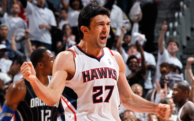 Pachulia is out for the season.   (Getty Images)