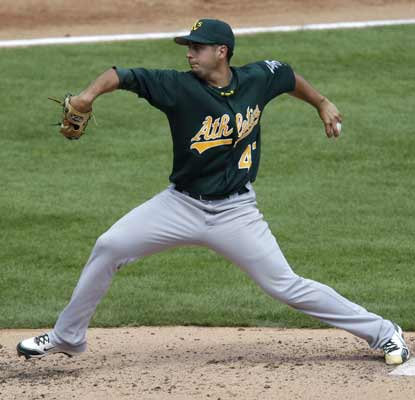 Gio Gonzalez bags his third consecutive win to help the A's stay in contention for the AL West.   (AP)