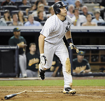 Red-hot Mark Teixeira hits his 30th HR of the season in the fourth inning. The first baseman ups his RBI total to 95.  (AP)