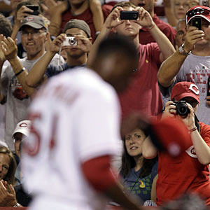 Aroldis Chapman has the fine baseball fans in Cincinnati in a tizzy. (AP)
