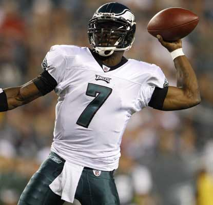 Michael Vick goes 3 for 5 during his first start in four years as the Eagles succumb to the Jets.  (AP)