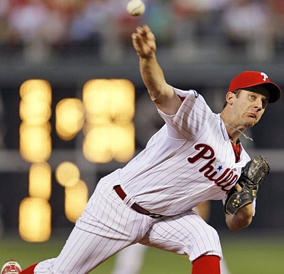 Roy Oswalt has been throwing gems since coming to the Phillies in a trade as the team improves to 7-1 with him starting.  (AP)