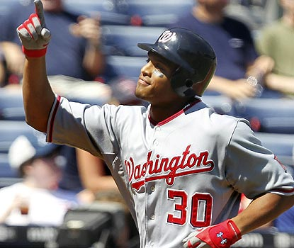 Justin Maxwell's grand slam hurts playoff hopeful Atlanta, which loses only its second home series in 2010.  (AP)