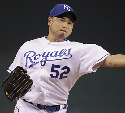 Bruce Chen notches his first career shutout while striking out a season-high seven batters against the Rays.  (AP)