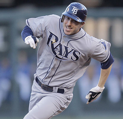 Matt Joyce comes up with a two-run triple as the Rays won't make it easy for the Yankees to clinch the AL East. (AP)