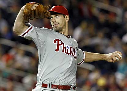 Cliff Lee goes the distance, striking out 12 after giving up six runs in 3 1/3 innings in his previous outing. (AP)