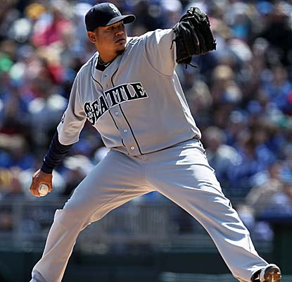 Reigning AL Cy Young winner Felix Hernandez K's six, but gives up five runs -- two earned -- in five innings in Seattle's loss. (Getty Images)
