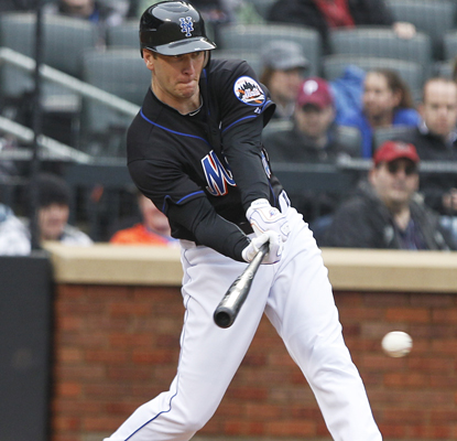 Jason Bay hits a two-run single as he leads the Mets to their third straight win since he returned from injury. (AP)
