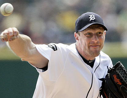 Detroit's Max Scherzer strikes out seven and allows four hits in eight shutout innings. (AP)