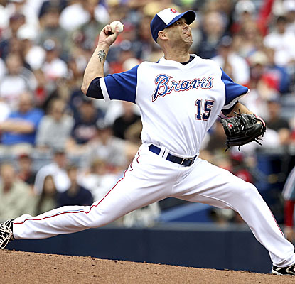 Pitching through seven, Braves starter Tim Hudson combines with Jonny Venters and Craig Kimbrel on a four-hitter. (Getty Images)
