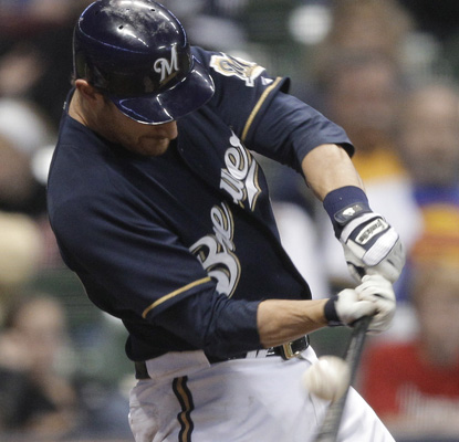 Jonathan Lucroy's two-run single in the eighth inning powers Milwaukee to a 7-6 win over the Nationals. (AP)