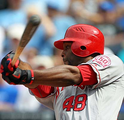 Angels RF Torii Hunter follows through Monday, driving in his 1,000th career run in the Angels' win. (Getty Images)
