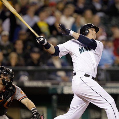 Down 2-0 in the eighth, Justin Smoak rocks a three-run HR to help the Mariners steal victory.  (AP)