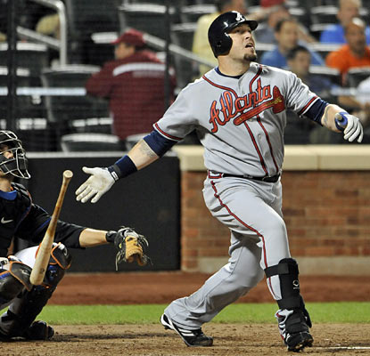 The Braves' Eric Hinske delivers in a big way with a tiebreaking home run in the ninth off closer Francisco Rodriguez. (AP)