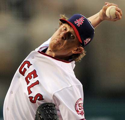 After 39 days without a win, Jered Weaver turns his fortunes around with a W against the Yankees. (AP)