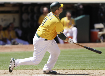 Landon Powell's first HR of the season proves to be the difference maker as the A's hold on to beat the Giants.  (AP)