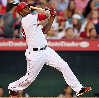 The Angels earn a tie for the AL West lead after Torii Hunter powers the offense with two homers and five RBI. (AP)