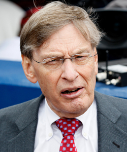 Bud Selig insists the winning league of the All-Star Game get home-field advantage for the World Series. (Getty Images)
