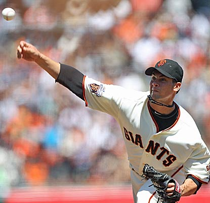 Giants pitcher Ryan Vogelsong gets his sixth straight victory by striking out seven batters over six effective innings. (Getty Images)