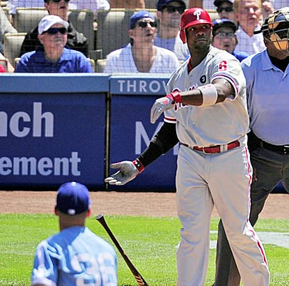 Ryan Howard increasing his NL-leading RBI total to 91 after belting his 25th homer of the season. (AP)