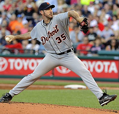 Justin Verlander tosses seven strong innings to earn career win No. 100 and his 17th victory of the 2011 season. (AP)