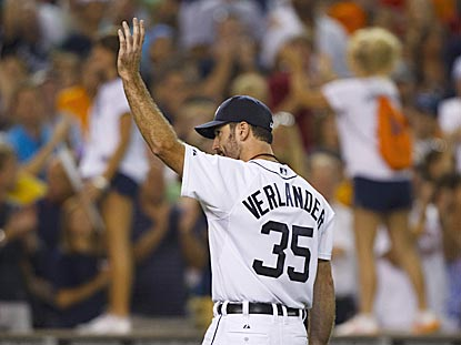 Justin Verlander acknowledges the Motor City faithful after another stellar pitching performance.  (US Presswire)