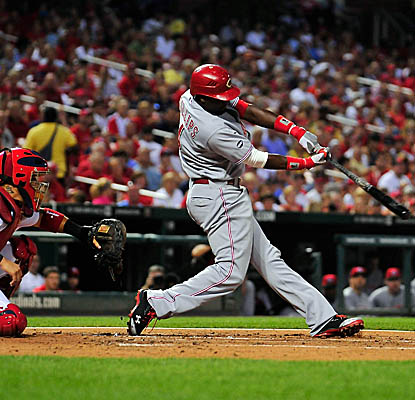 Brandon Phillips connects for an RBI double as the Reds trip up the Cards in St. Louis. (Getty Images)