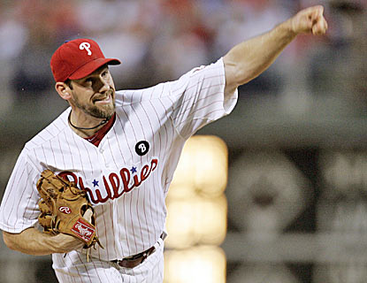 Talk about dominant -- Cliff Lee has won his last seven starts, and hasn't allowed a run in five of those games. (AP)