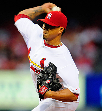The Cardinals' Kyle Lohse gives up four hits, strikes out six and walks three against the Brewers.  (US Presswire)