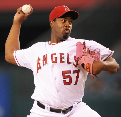Jerome Williams baffles the Mariners, allowing just one run and one hit in eight innings of work.  (US Presswire)