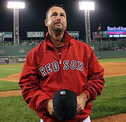 Boston's Tim Wakefield acknowledges fans' ovation at Fenway after earning his 200th career victory. (Getty Images)