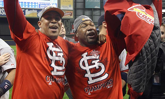 Venerable relievers Octavio Dotel (left) and Arthur Rhodes play a vital role in the NLCS triumph. (Getty Images)