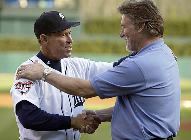 Trammel, here greeting Jack Morris, should get more than last year's 24.3 percent of vote. (Getty Images)