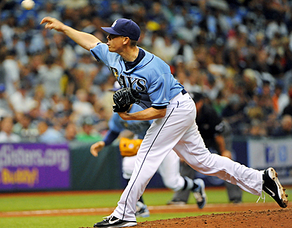 Jeremy Hellickson confuses the Yankees, allowing just three hits in 8 2/3 innings of work to help the Rays complete the sweep. (AP)