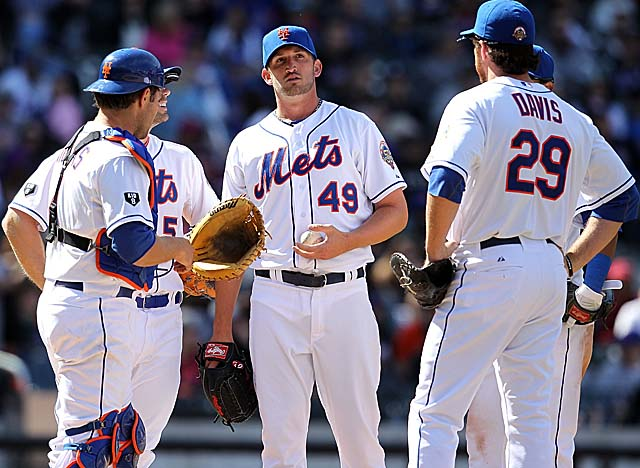 Jon Niese (center) opens his season by taking a no-hitter into the seventh for the Mets. (Getty Images)