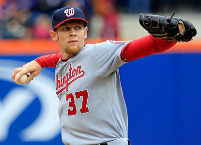 Stephen Strasburg dominates during six scoreless innings as he holds the Mets to just two hits while striking out nine. (Getty Images)