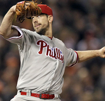 Cliff Lee goes 10 scoreless innings for the Phillies, but he is still searching for his first victory of the season.  (AP)
