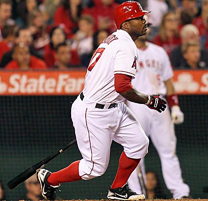 Howie Kendrick helps the Angels end a three-game losing streak by going 3 for 5 with 3 RBI.  (US Presswire)