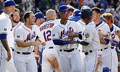 After blowing a 4-1 lead in the ninth, the Mets get a walk-off win on Buster Posey's throwing error. (US Presswire)