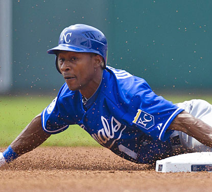 Jarrod Dyson steals second base after leading off the game with a walk on the way to scoring the game's first run.  (US Presswire)